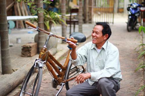 xe đạp toan thang co ong 70 tuoi sang che xe dap tre doc dao
