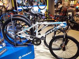 Xe đạp địa hình GIANT 2016 ATX 735
