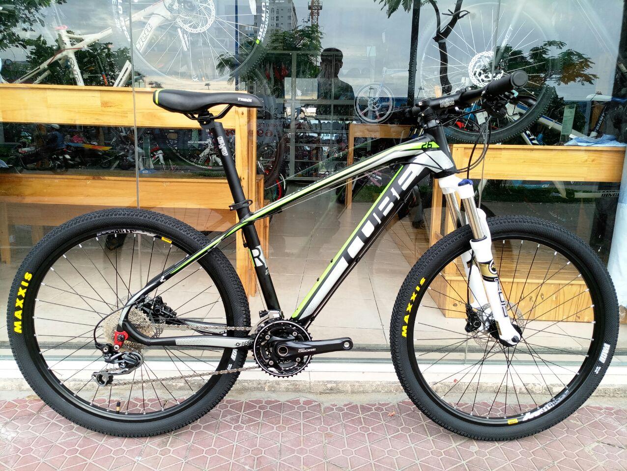 Xe đạp địa hình Cube Shimano Deore 30 speed Black Green