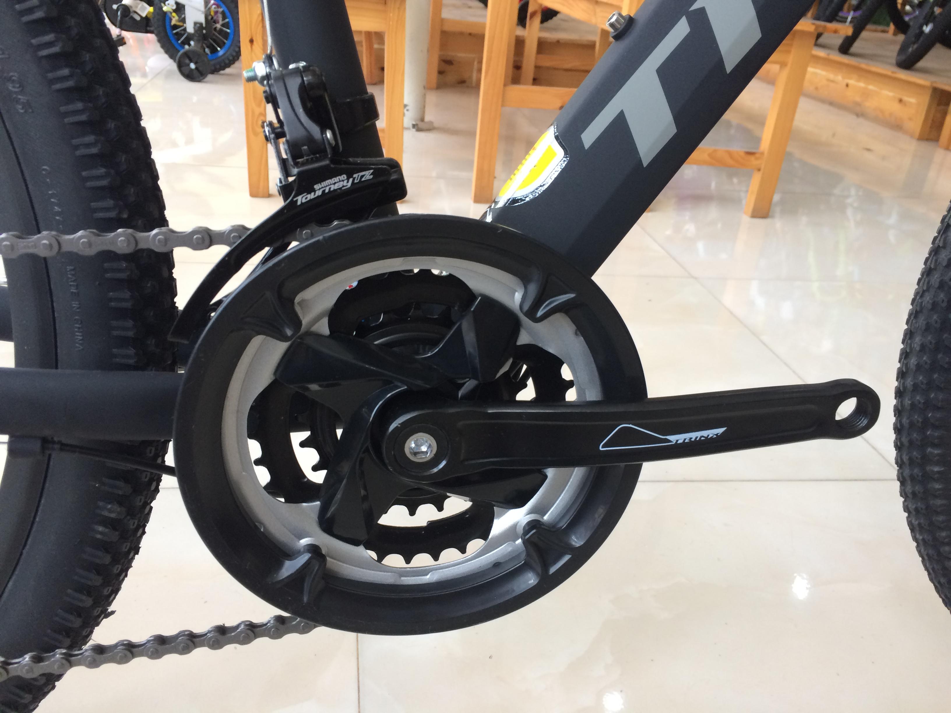 Xe đạp địa hình TrinX TX18 2018 Black Red