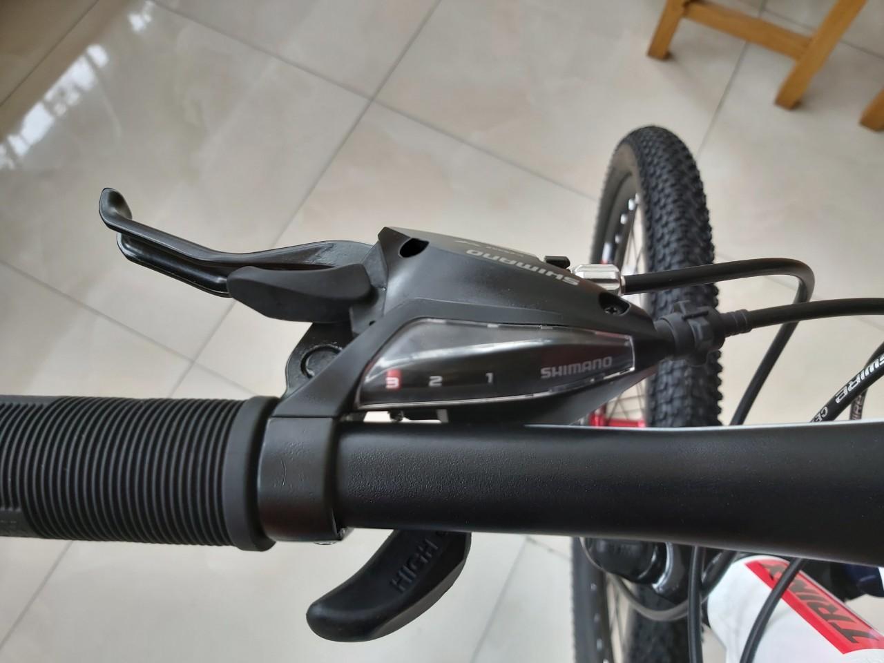Xe đạp địa hình TrinX TX18 2019 White Red