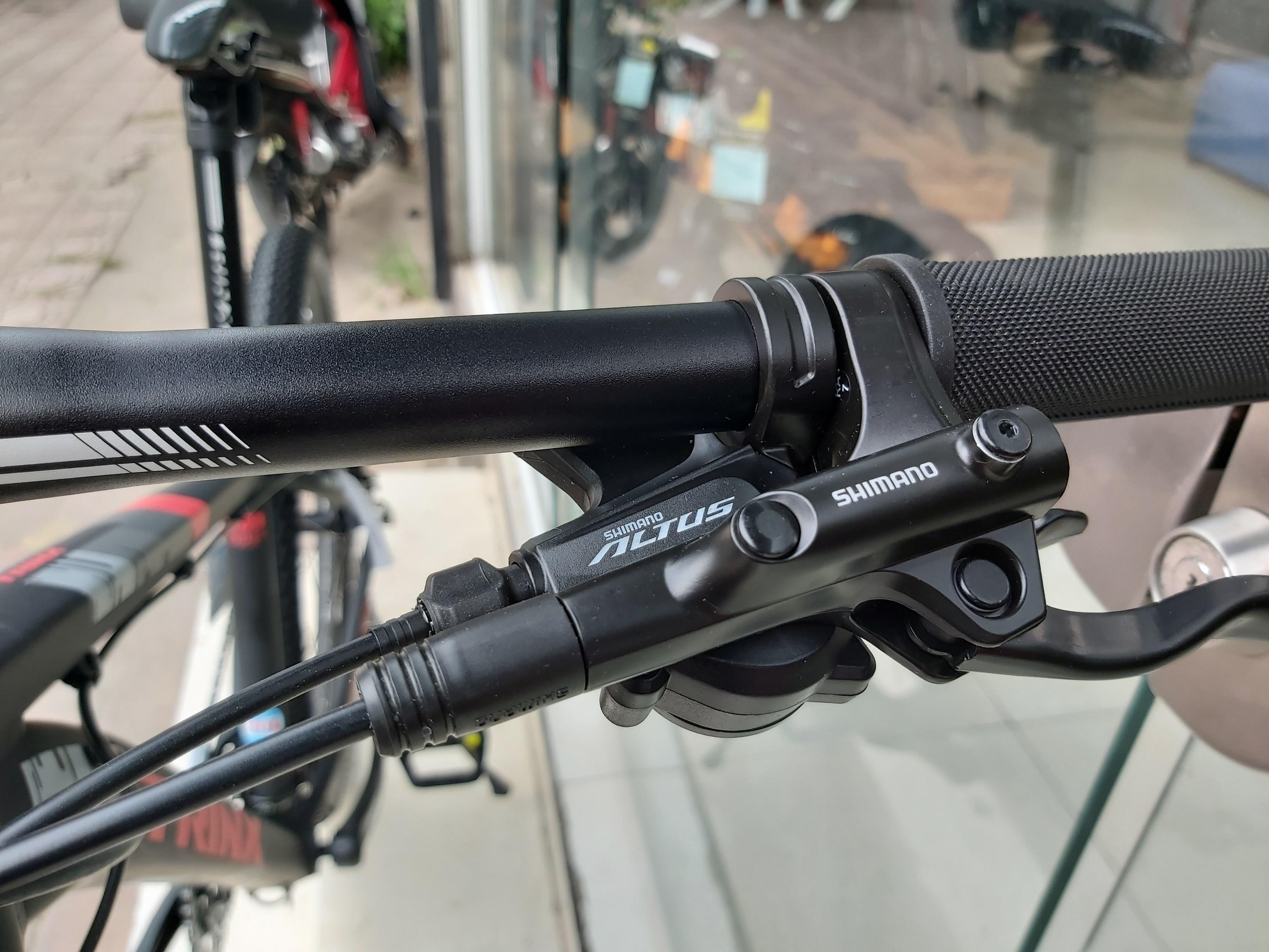 Xe đạp địa hình TRINX Elite D700 2019 Black Red